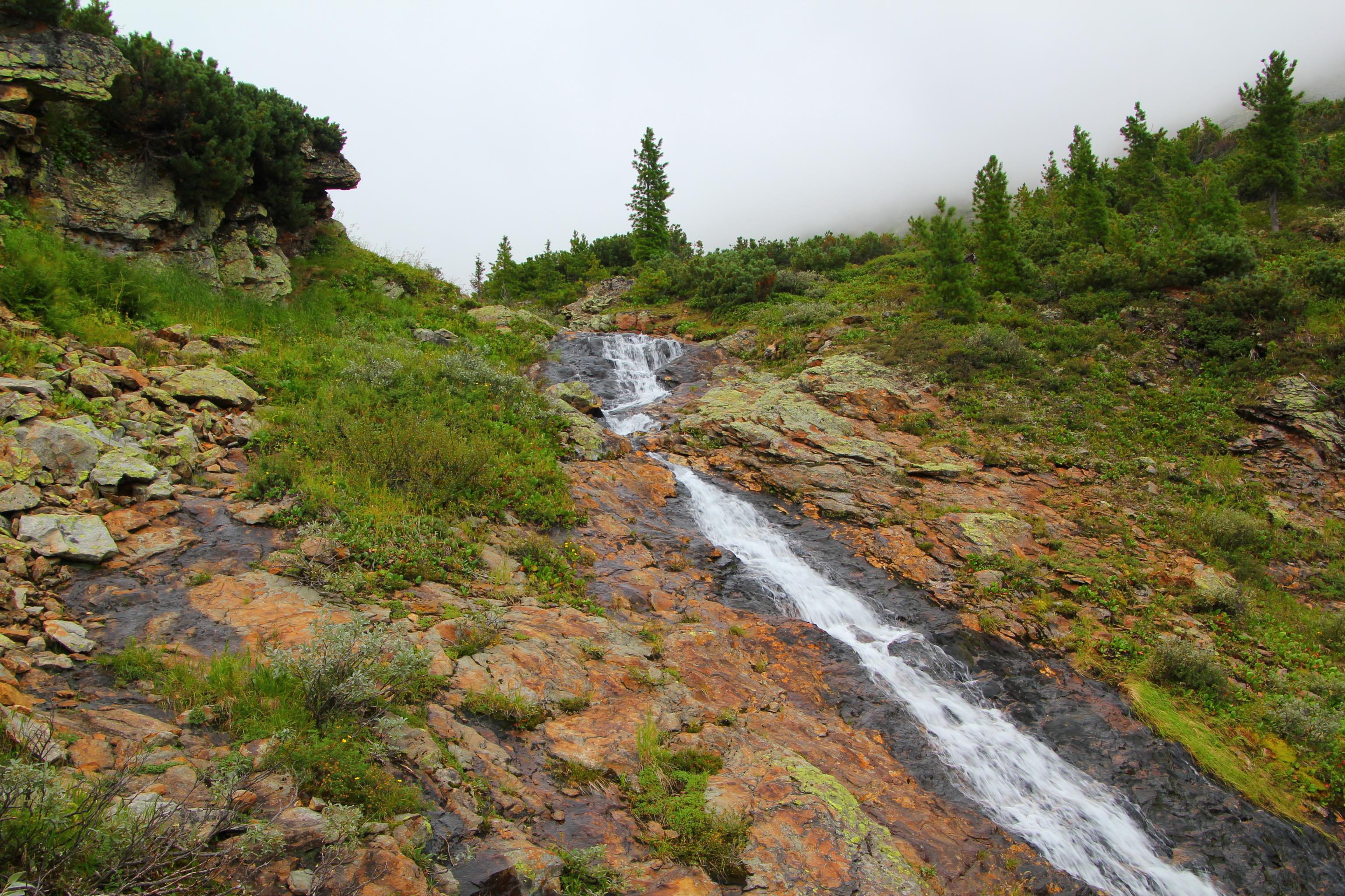 Vodopád u Srdčitého jezera
