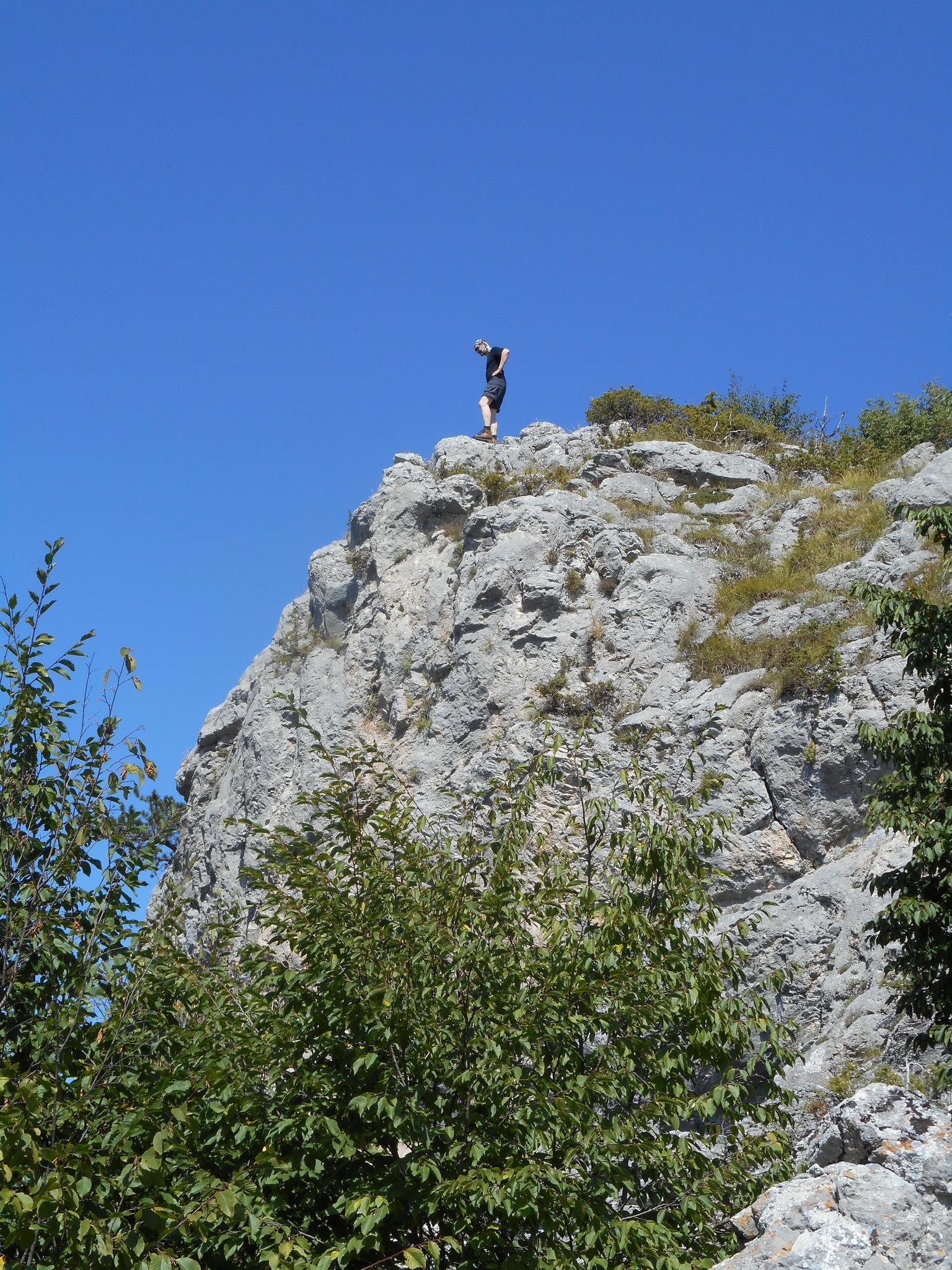 0230 - Vyhlídka ze skal nad Trigradem