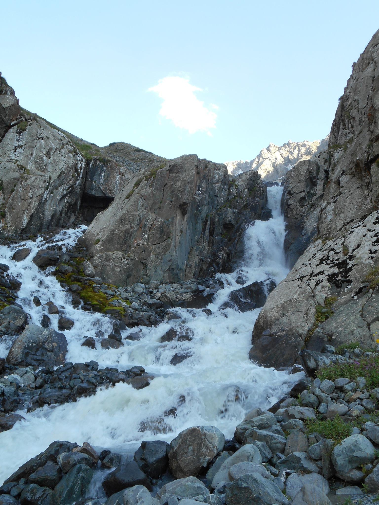 1. den treku - Skalka nad vodopadem